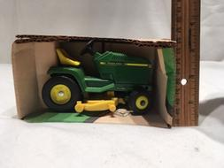 ** 1:16 ERTL USA JOHN DEERE 1988 RIDING LAWN MOWER GARDEN TR
